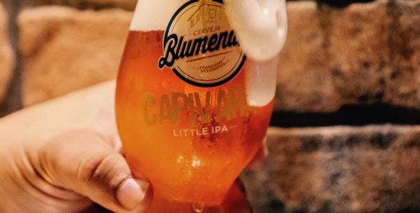 Cerveja Blumenau recebe medalha da Australian International Beer Awards