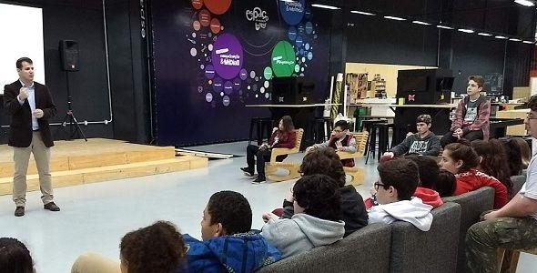 SOU.IS apoia turma de alunos do projeto Espaço Maker