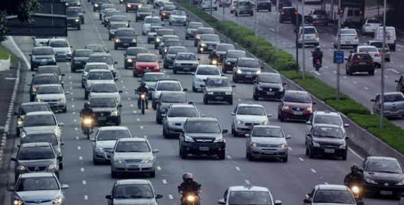 Emplacamentos de veículos crescem 21,91% no semestre em SC