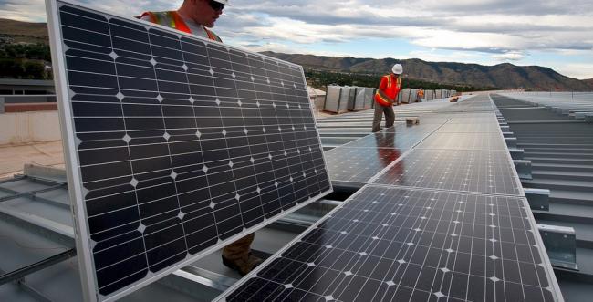 BNDES anuncia financiamento de energia solar para pessoa física