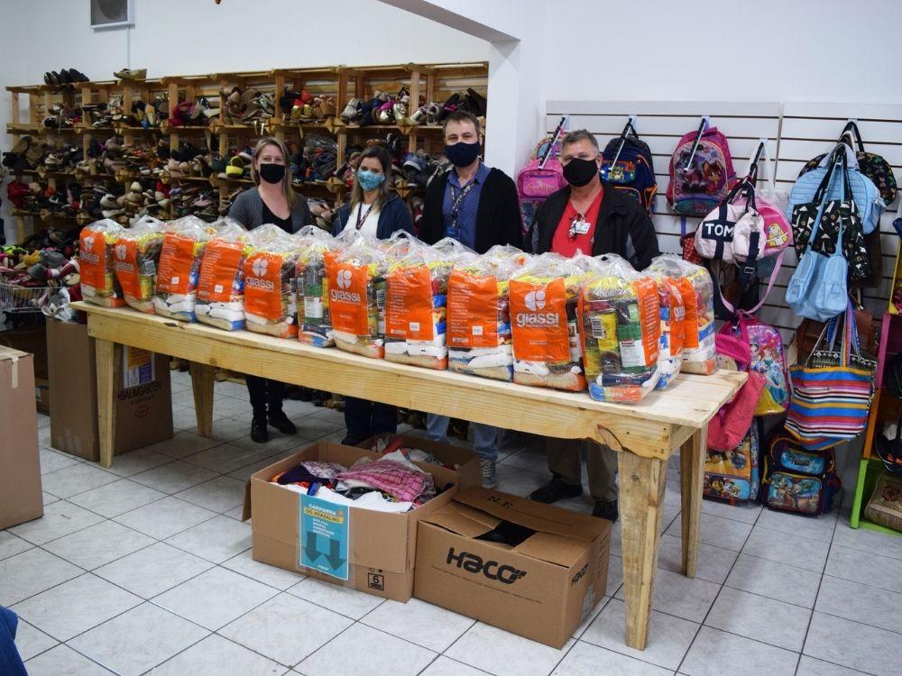 Haco realiza a entrega de mais de uma tonelada de alimentos arrecadados em Lives solidárias