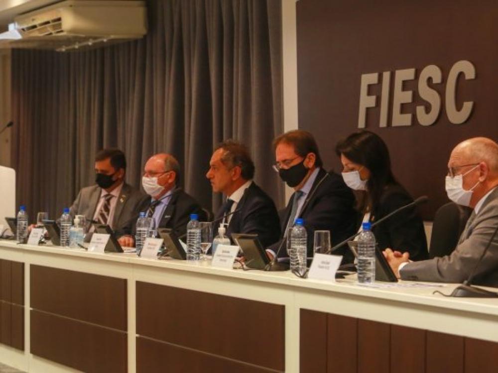 Reunião discute fortalecimento de parcerias comerciais da Argentina com Santa Catarina