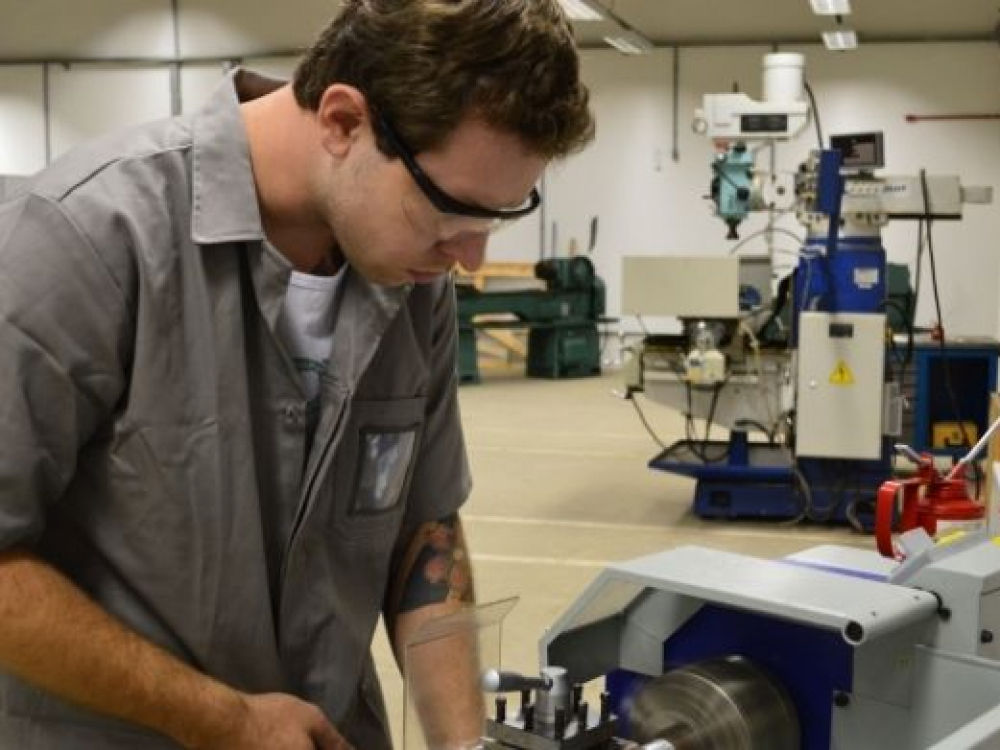 IFC Campus Blumenau oferta 30 vagas para curso gratuito de Mecânica