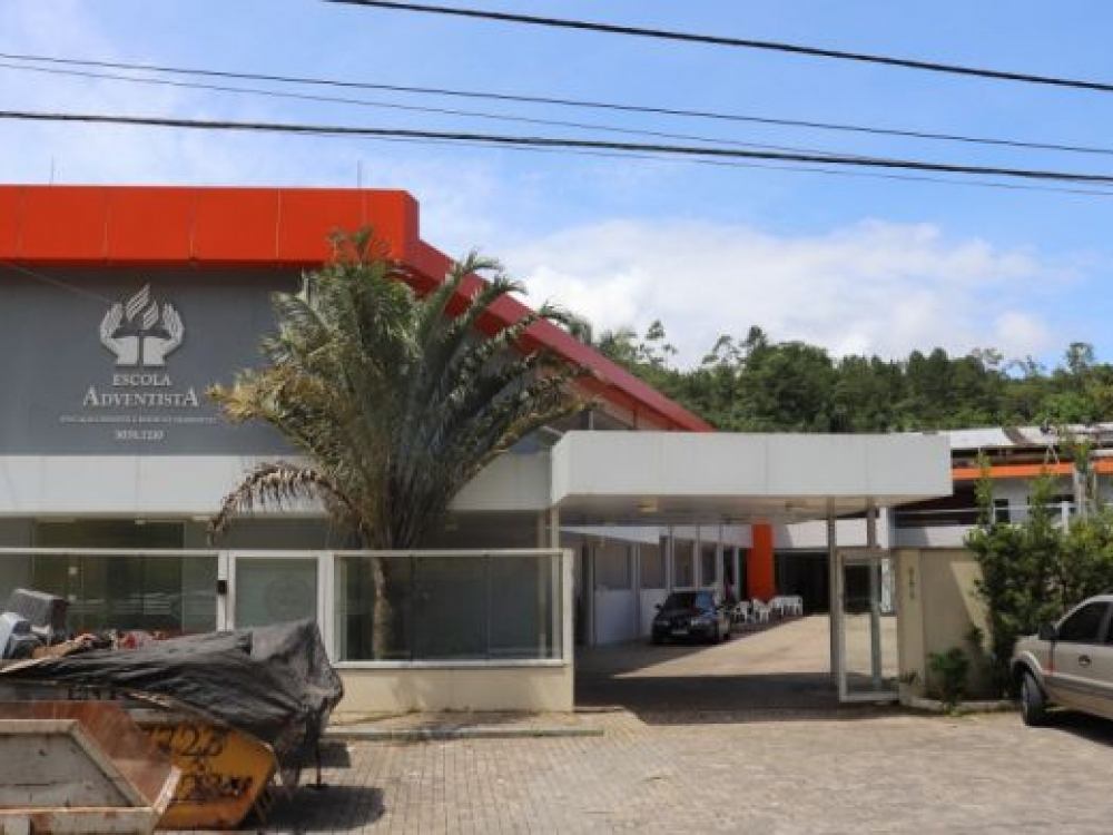 Prefeitura transfere EBM Pastor Faulhaber para estrutura do Colégio Adventista