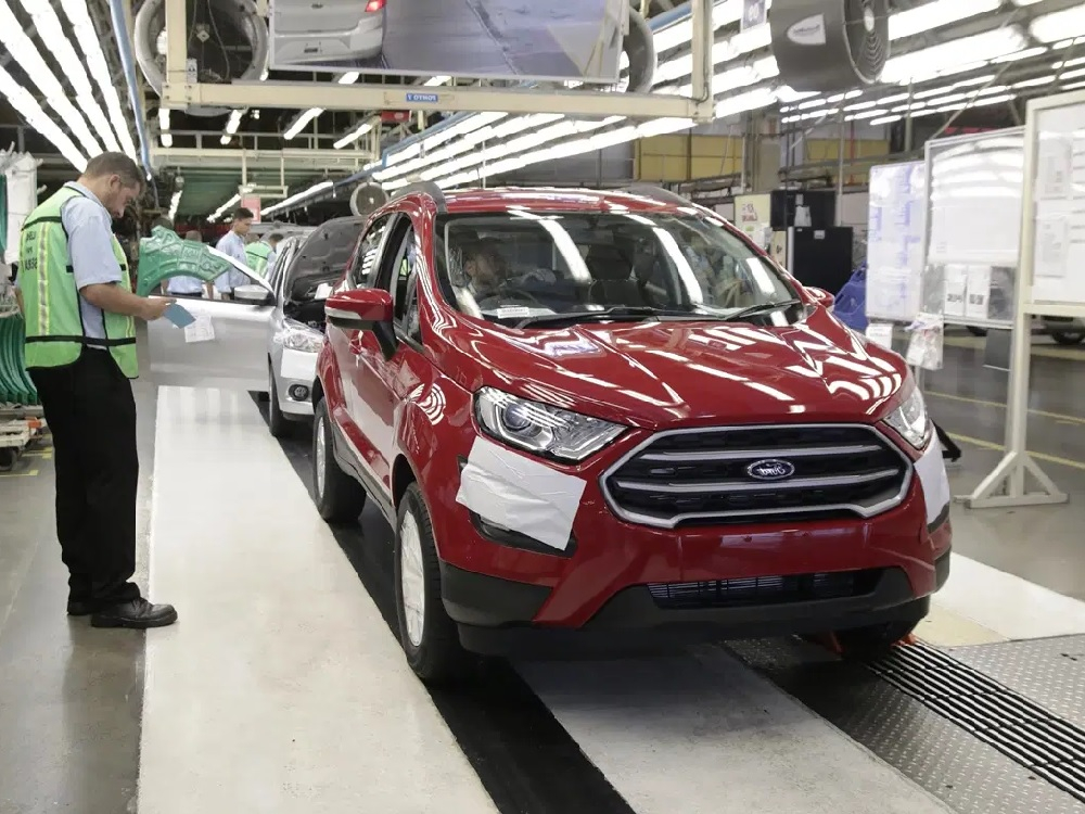 Fechamento da Ford impacta diretamente sobre 1.050 empregos em SC