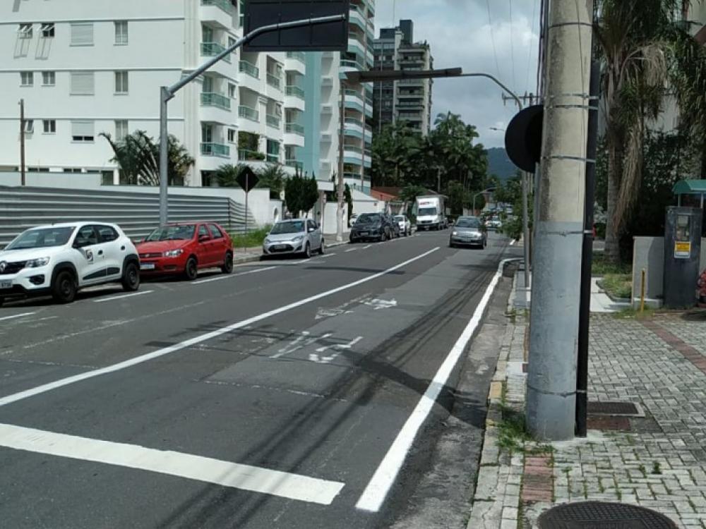 Após avaliação, Rua Paraguai terá ajuste no sentido da via