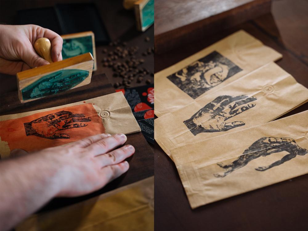 Artista plástico Jean Tomedi assina linha limitada do Soul Cafés e Companhias