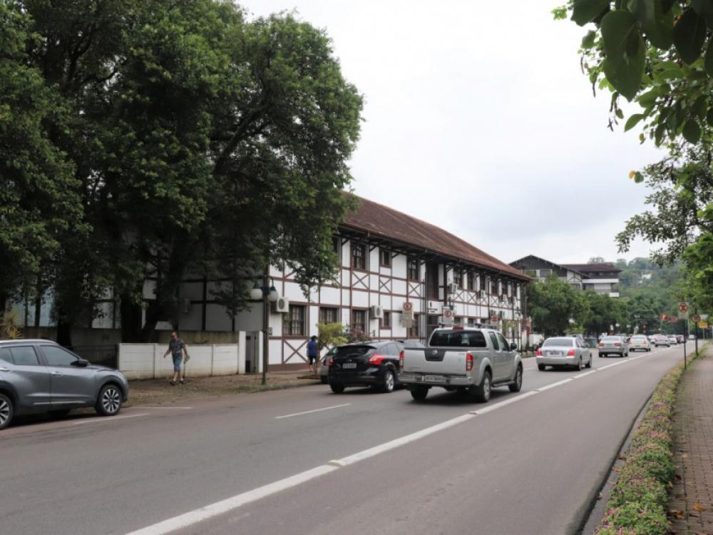 Município implantará quarta pista de rolamento em trecho da Avenida Beira-Rio
