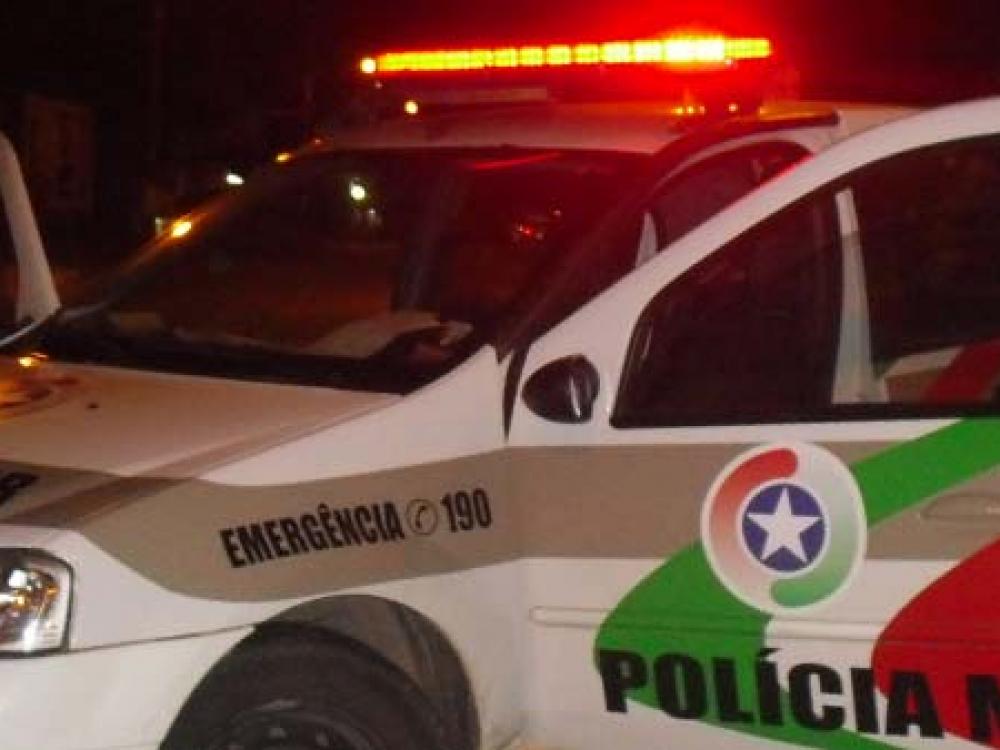 Homem é preso com mandado de prisão em aberto no bairro Itoupava Norte