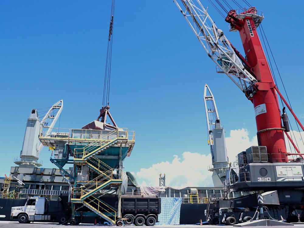 Porto de Imbituba tem alta de 11,7% na movimentação de fevereiro