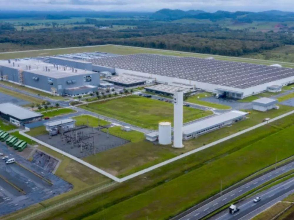 Na contramão da crise, BMW aumenta a produção de veículos no Brasil