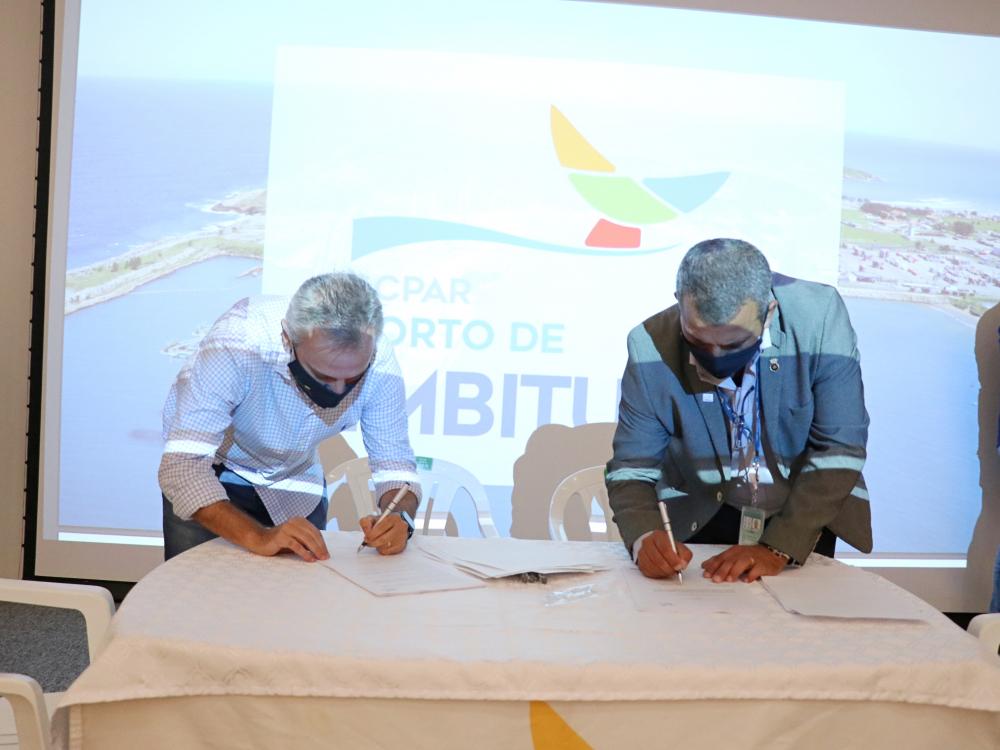 Assinado arrendamento transitório do Terminal de Granel Líquido do Porto de Imbituba
