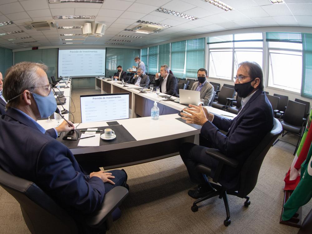 FIESC investirá R$ 90 mi em Blumenau e cria grupo com a prefeitura para avaliar Complexo Esportivo