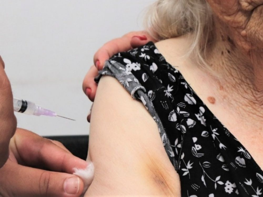 Blumenau reabre agendamento da vacina para sete grupos contra o coronavírus