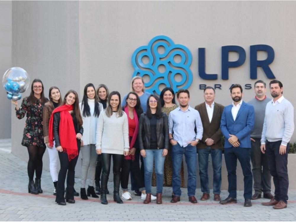 LPR BRASIL completa 30 anos inovando e construindo grandes parcerias internacionais