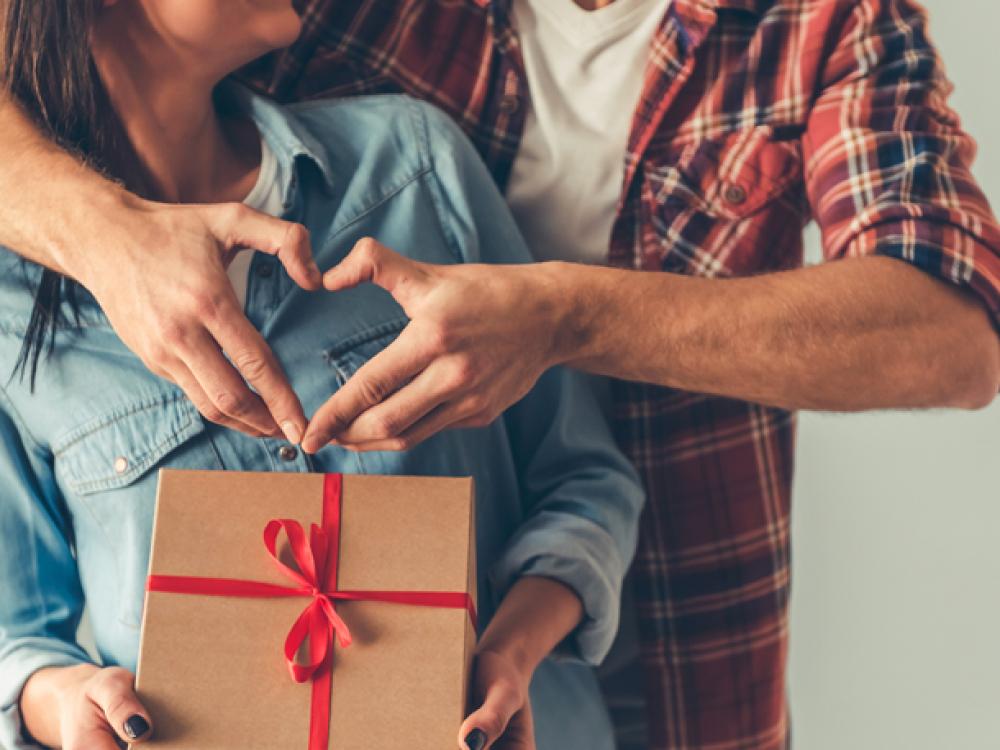 Dia dos Namorados deve gerar alta nas vendas, diz pesquisa da FCDL/SC