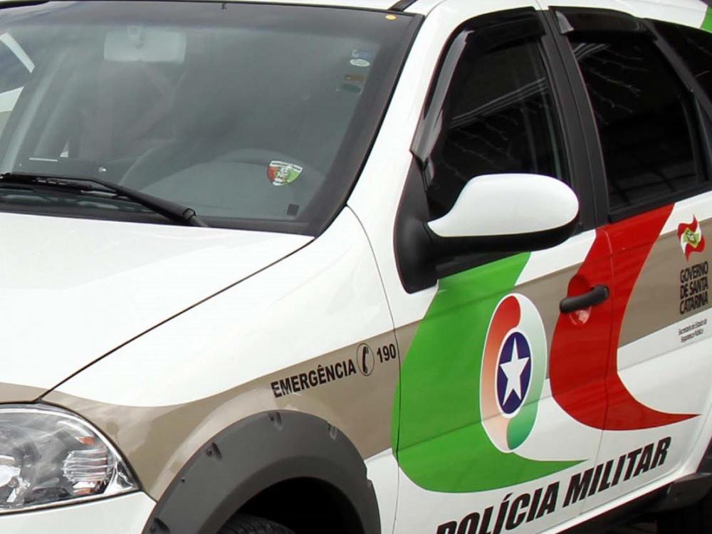 Veículo de Joinville com registro de furto é recuperado pela PM na divisa entre Blumenau e Indaial
