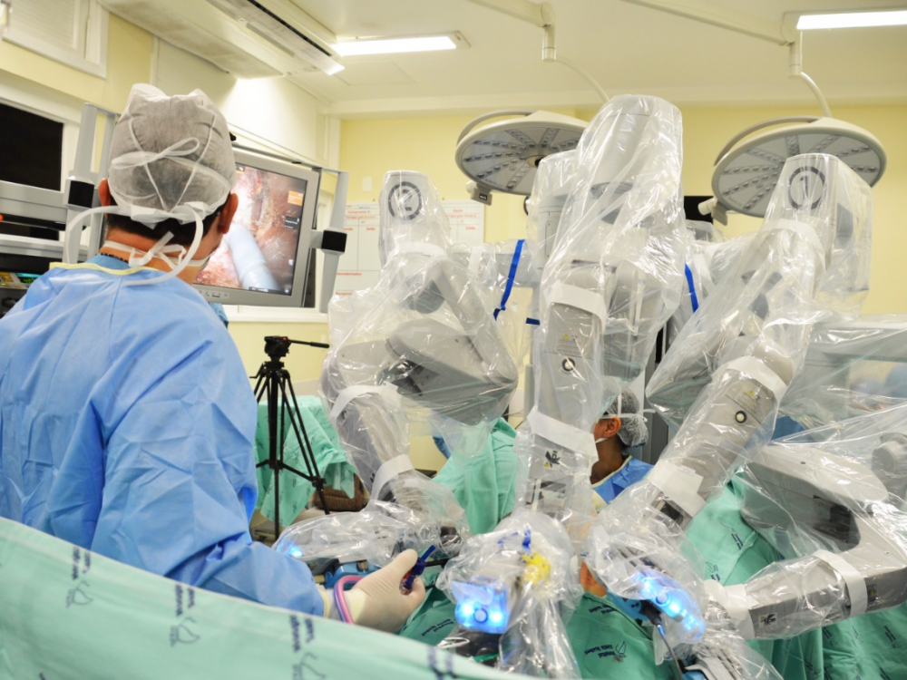 Programa de Cirurgia Robótica do Hospital Santa Isabel completa dois anos