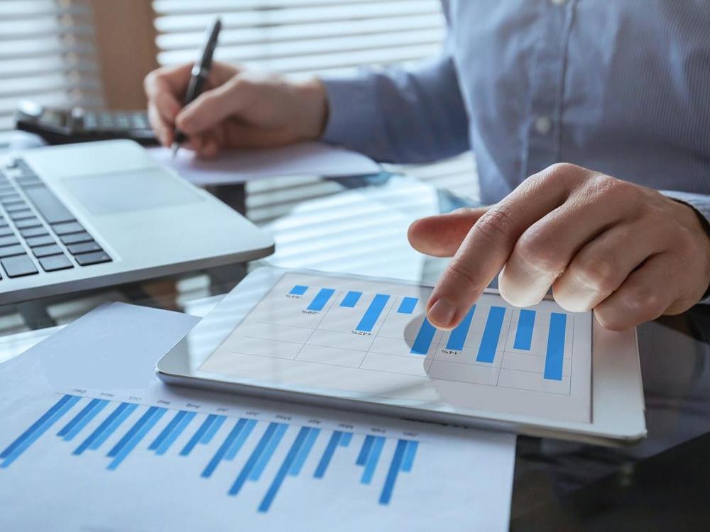 A importância do gerenciamento correto do cálculo de Avos de 13º salário e de programação de férias para a redução de custos