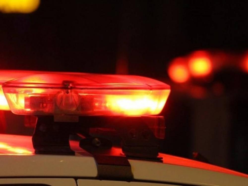 Homem é detido após policiais o verem roubando a bolsa de uma mulher