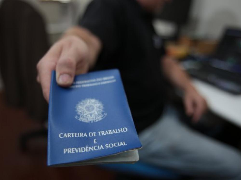 Desemprego em Santa Catarina cai para 5,8%, menor percentual do país