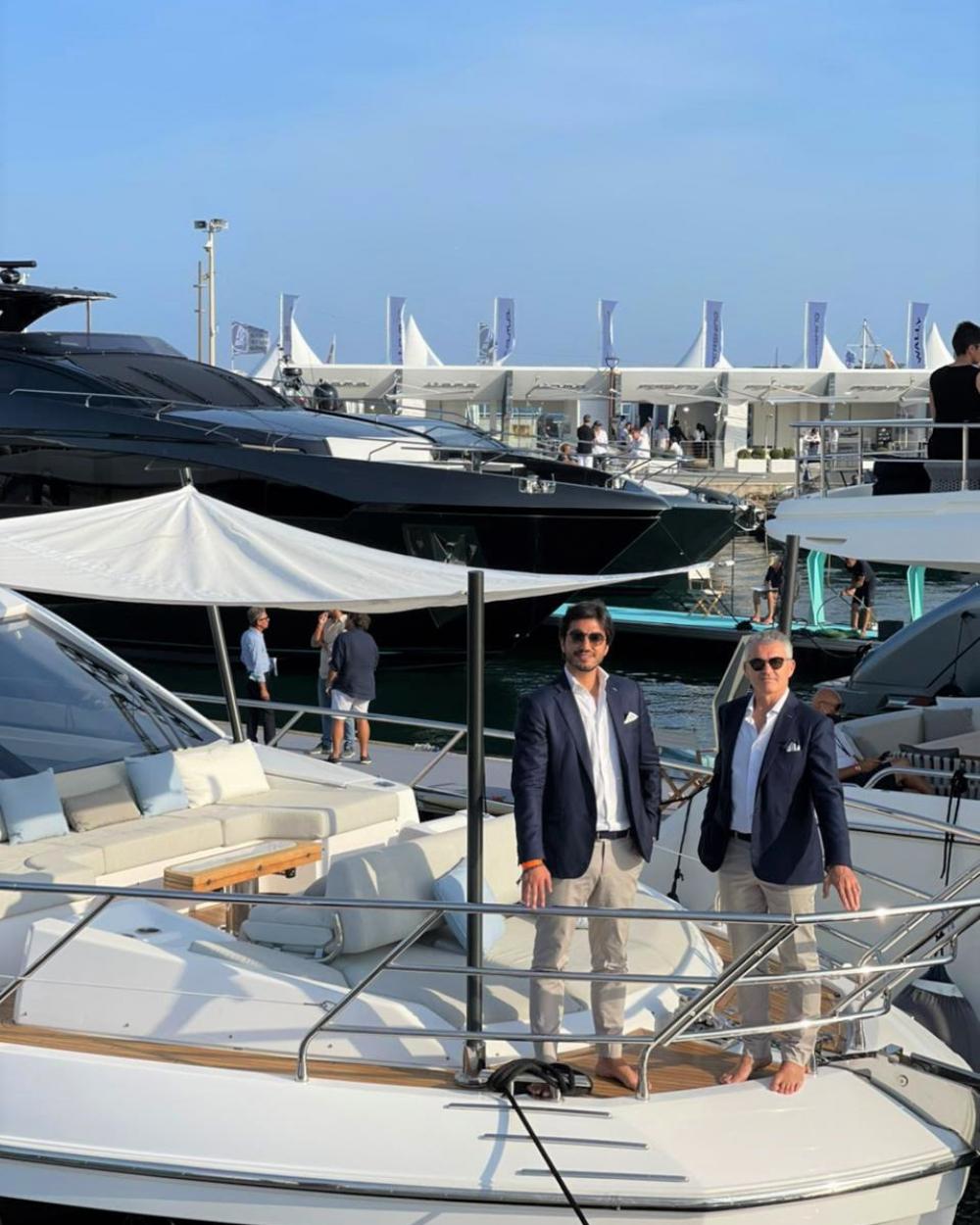 Iate de luxo fabricado em SC é exposto no Cannes Yachting Festival 2021, na França