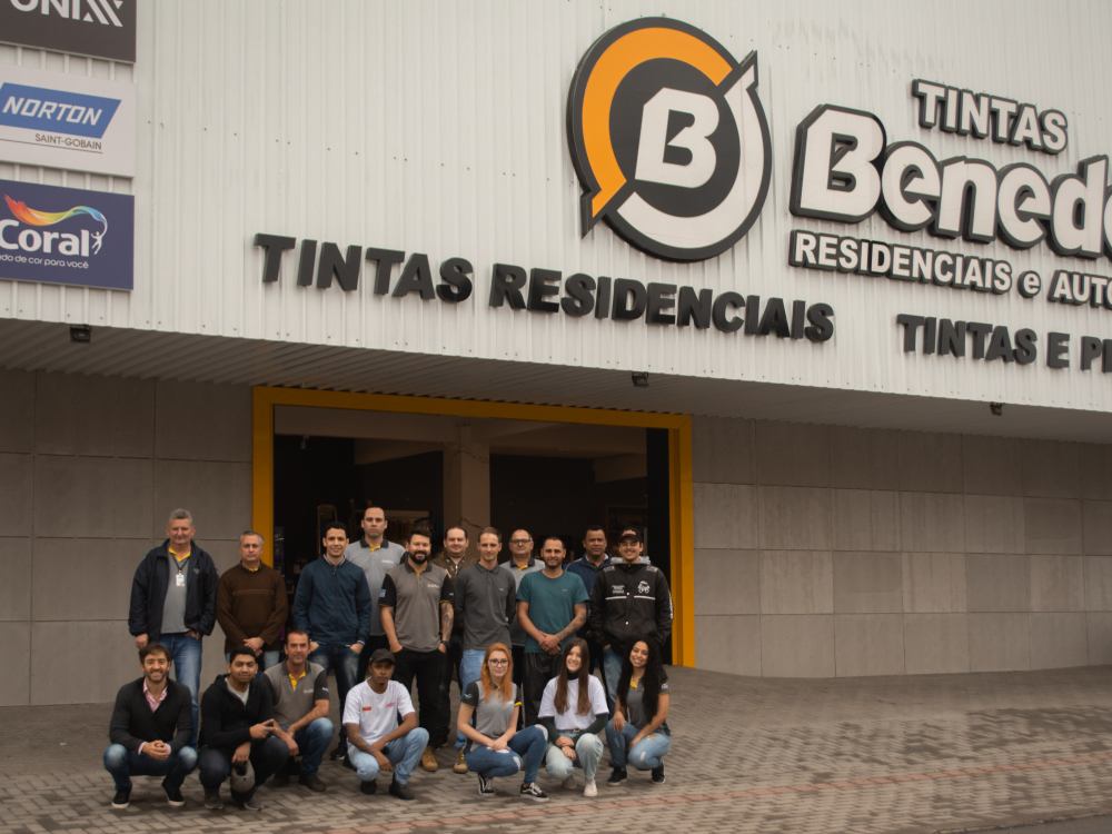 Reinauguração marca os 25 anos do grupo Tintas Benedett em Blumenau