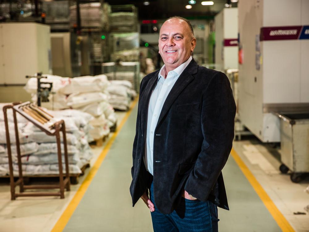 Krona expande área fabril e avança entre as maiores empresas