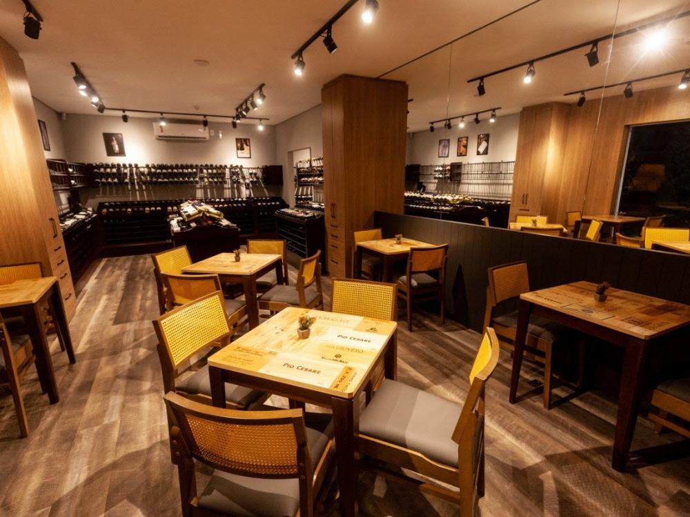 Enoteca Decanter inaugura em Blumenau um wine bar de 350m² e um outlet de vinhos