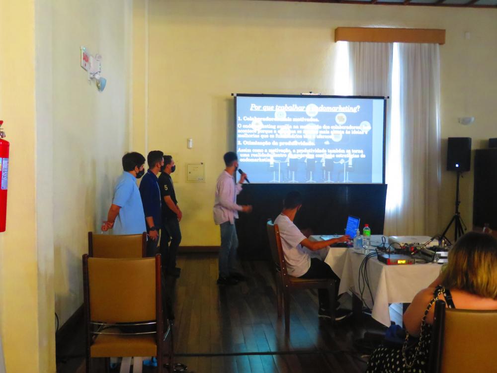 Evento apresenta novos talentos em desenvolvimento de sistemas ao mercado de TI