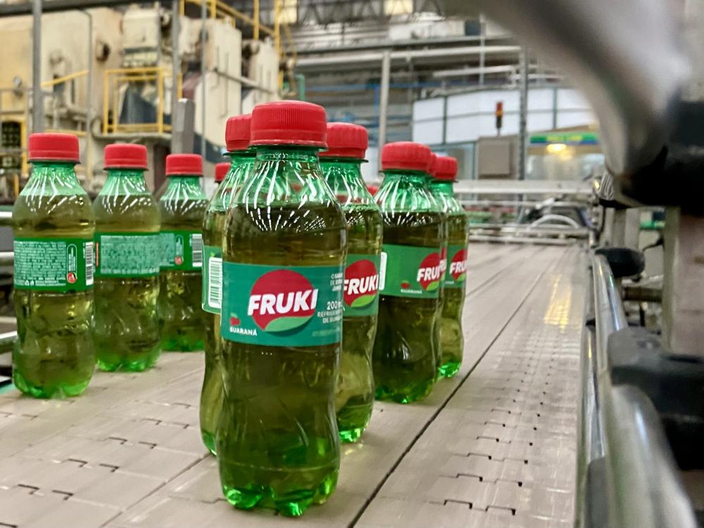 Bebidas Fruki oferece oportunidades de emprego em Blumenau